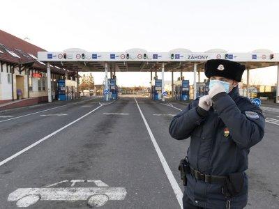 Hétfőn minden közúti átkelő megnyílik az ukrán-magyar határon