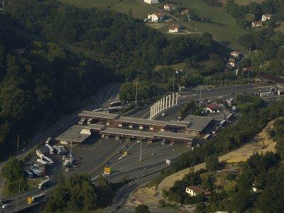 Hiszpania i Portugalia zamknęły granice | Austria i Szwecja znoszą obowiązek stosowania się do czasów pracy i odpoczynku kierowców