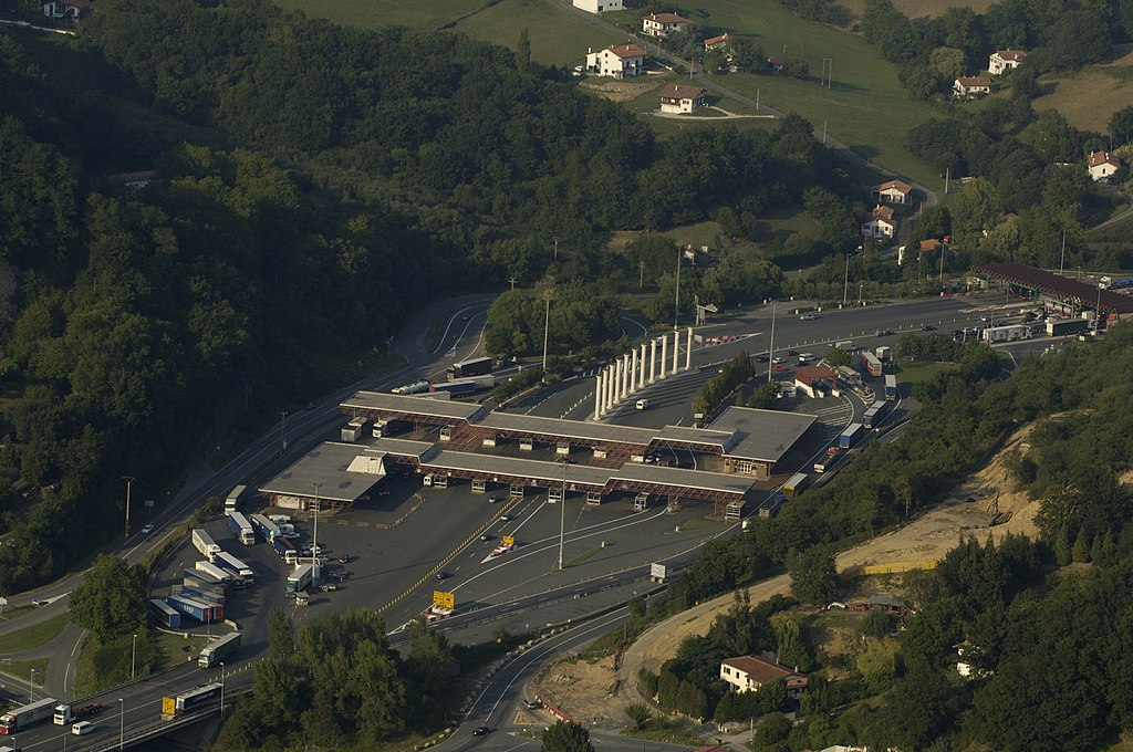 Hiszpania i Portugalia zamknęły granice   Austria i Szwecja znoszą obowiązek stosowania się do czasów pracy i odpoczynku kierowców