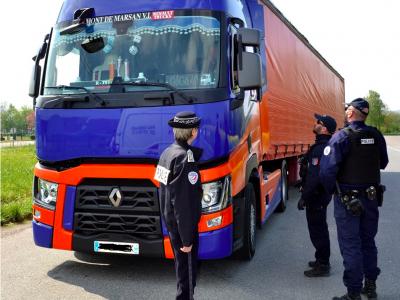 Uwaga! Nowe wymogi i certyfikat dla kierowców jadących do Francji