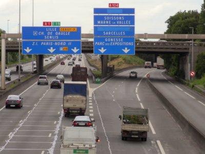 Franța introduce documente suplimentare obligatorii pentru transportatori