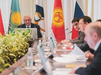 ЕАЭС временно приступает к реализации второго пакета мер в связи с пандемией и приостанавливает экспорт некоторых продуктов
