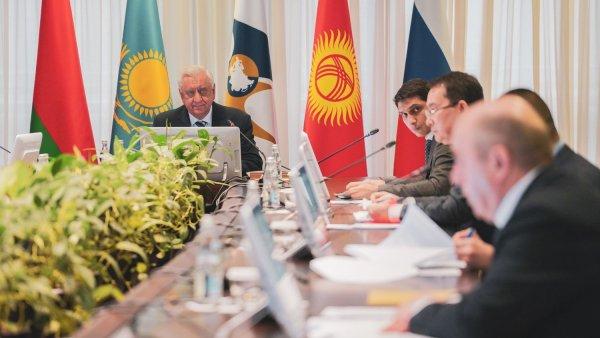 ЕАЭС временно приступает к реализации второго пакета мер в связи с пандемией и приостанавливает эксп