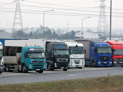 """Įžūlus """"Apple"""" produktų pilno sunkvežimio apiplėšimas. Buvo prarastas daugiau nei 5,6 mln. Eur vertės krovinys!"""