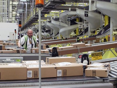 Amazon își închide toate centrele logistice din Franța ca urmare a unei decizii judecătoresti