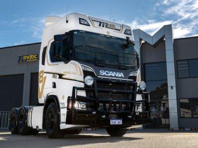 Scania R650 Highline под 145-тонный автопоезд – лимитированная версия V8