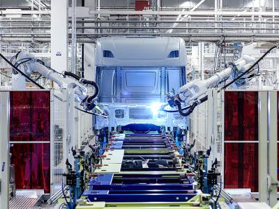 Хорошие новости для перевозчиков! Автомобилестроительная промышленность медленно восстанавливает производство