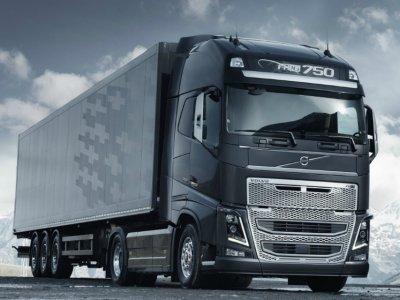 """""""Daimler Truck"""" ir """"Volvo"""" jungia jėgas. Koncernai gamins vandenilio akumuliatorius sunkvežimiams"""