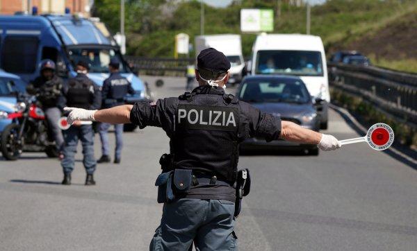 Włosi wykorzystują dane z tachografów do karania za przekroczenie prędkości. Według Brukseli to naru