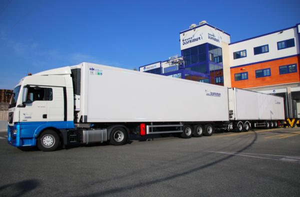 Hiszpanie będą testować ciężarówkę chłodnię XXL. Zgadnij, ile pomieści palet