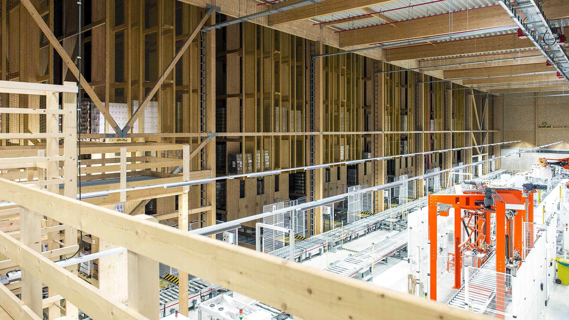 Nowoczesny system do automatyzacji magazynu w obiekcie z… drewna. Dlaczego niemiecka firma wybrała taki budulec?