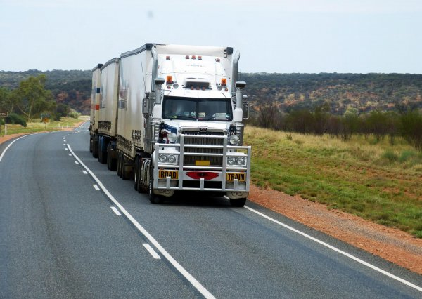 Australia: 15,000 lorry drivers to strike for better wages on Friday