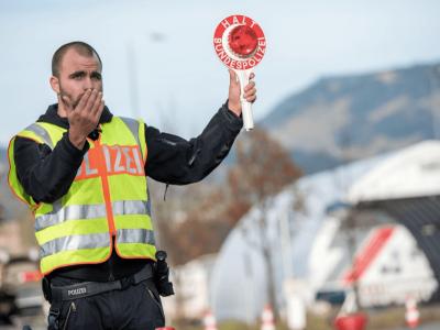 Vokietija ir Čekija pratęsė sienų kontrolę