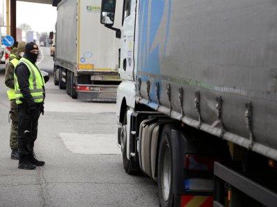 Galileo Green Lane – nauja programėlė vairuotojams. Tai parodys laukimo peržengti ES sienas laiką