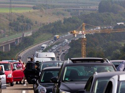 Németország: nagy forgalom várható a hosszú hétvégén. Számítson torlódásokra!
