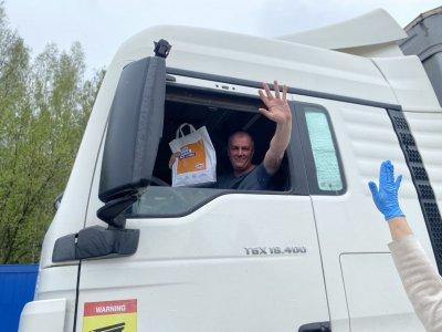 Koronos krizė: Lietuvos sunkiojo transporto vairuotojai į reisus išvažiavo su apsaugos priemonėmis ir maistu