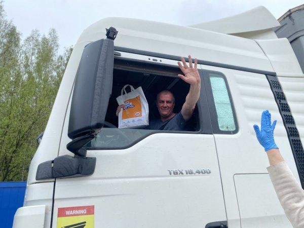 Koronos krizė: Lietuvos sunkiojo transporto vairuotojai į reisus išvažiavo su apsaugos priemonėmis i