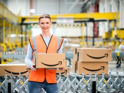 Wymogi podatkowe przy sprzedaży z magazynów Amazona | Jak efektywnie administrować bazą produktów [webinaria]