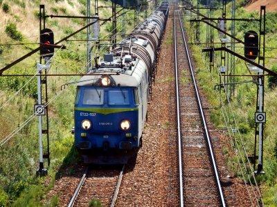 """Lenkijos """"PKP Cargo"""" galės vežti krovinius Lietuvoje. Taip šalys skatina krovinių pervežimus tarp strateginių partnerių"""