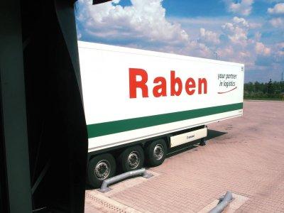 Raben поглощает одну из старейших немецких экспедиционных компаний. Компания существует с 1827 г.