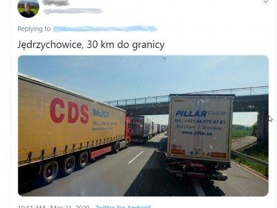 Riesenstaus an der deutsch-polnischen Grenze. Wartezeiten bis neun Stunden