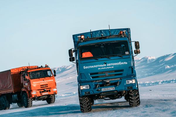 """Per sniegą ir ledą. Kaip autonominiams """"Kamazams"""" sekasi ekstremaliose Sibiro sąlygose?"""