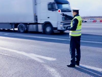 Lenkijos transporto inspekcija apibendrino atostogas. Dažniausias pažeidimas vis dar susijęs su darbo laiko viršijimu