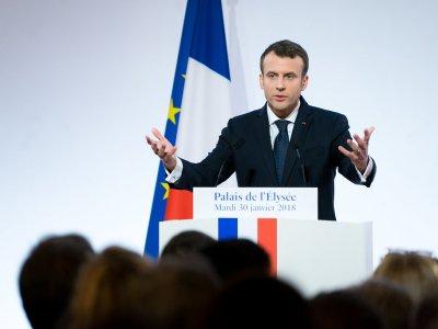 Prancūzijos automobilių sektoriaus gelbėjimui – 8 mlrd. Eur. E. Macronas pristatė paramos planą