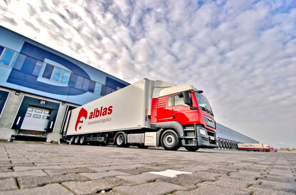 Samochodowy transport towarów na Nowym Jedwabnym Szlaku ma się coraz lepiej. Dowodzi tego rozkwit ni