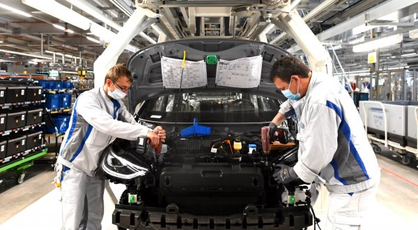 Recession in Germany. Big companies already lost plenty of steam