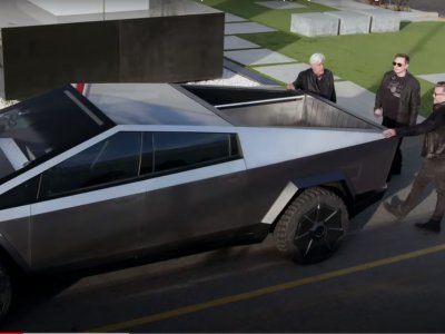 Jay Leno has tested Cybertruck and you must see the result
