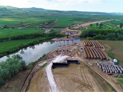 (Video) Am filmat din dronă toți cei 24,25 kilometri ai lotului 2 al Autostrăzii A10