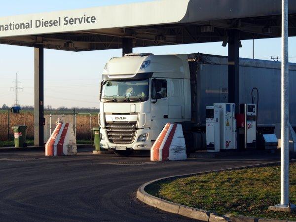 Tabela paliwowa, czyli jak ograniczyć ryzyko zmiennych cen oleju napędowego