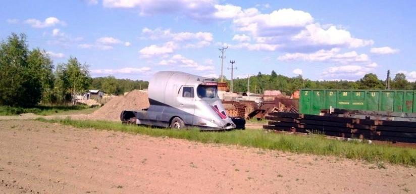 Futurystyczna ciężarówka