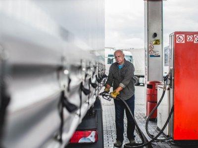 Испанские автозаправочные станции постепенно возвращаются к нормальной работе [КАРТА]