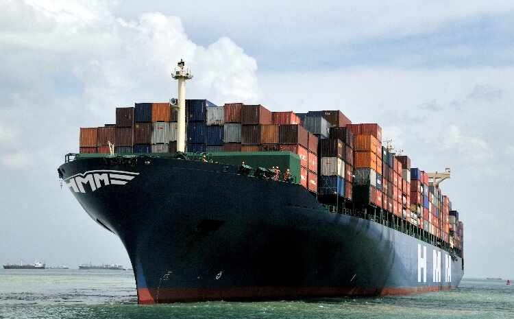 The world's largest container ship in the UK. It is 400 metres long and 61 metres wide