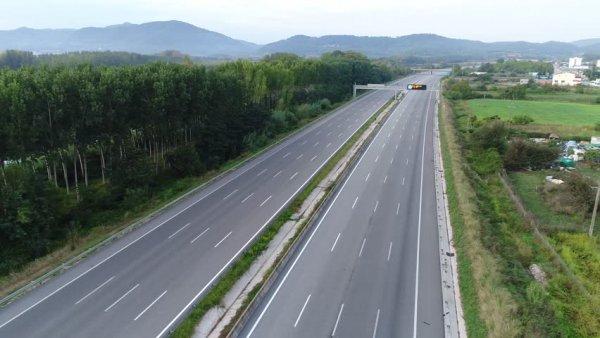 Elveția a mărit valoarea taxelor rutiere; crește și numărul controalelor pentru camioane