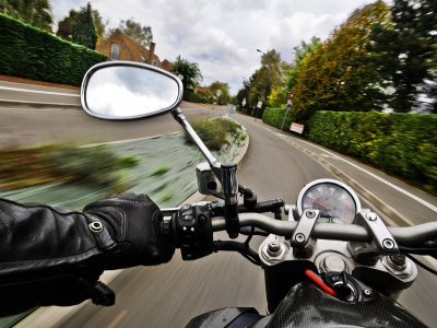Beschränktes Vergnügen: Lkw-Fahrer dürfen keine CB-Funkgeräte mehr nutzen, Motorradfahrern drohen… überraschende Verbote