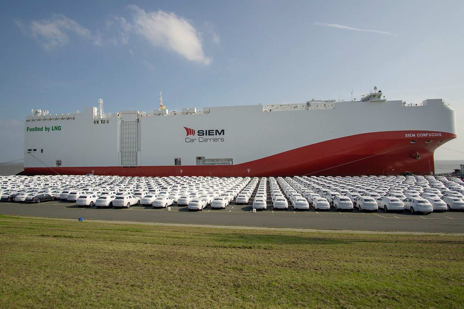 Volkswagen chooses low-emission LNG overseas car freighter