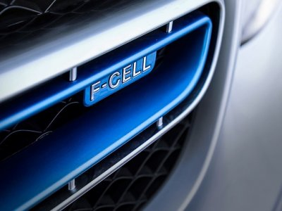 Volvo joins forces with competitor to commercialize fuel cell system