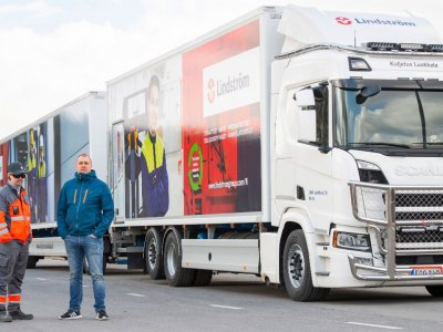 Longest truck drives 1000 km daily on a single fuelling of liquefied gas