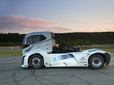 Továbbra is a Volvo Iron Knight a leggyorsabb teherautó a világon?
