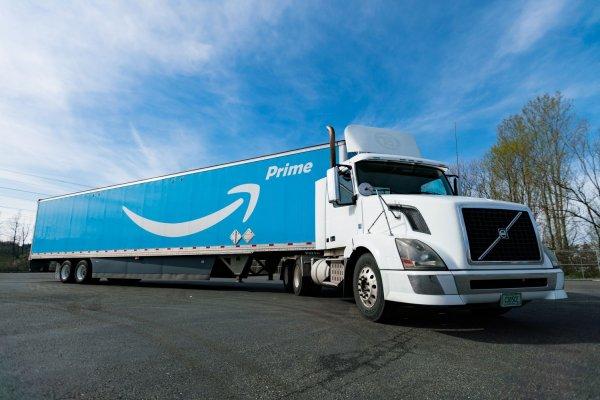 Amazon ищет перевозчиков. Компания хочет стать независимым от поставщиков курьерских услуг