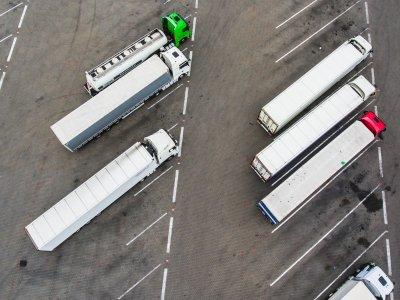 Очередная страна возобновляет запреты на движение грузовиков