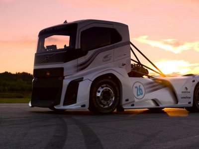 Este Volvo Iron Knight cel mai rapid camion din lume?