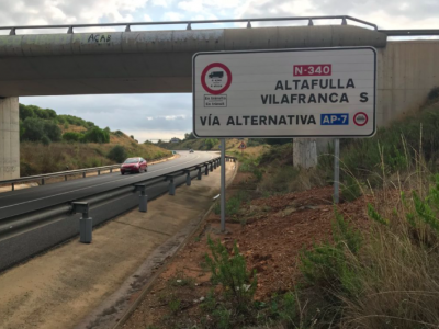 Catalonia has reintroduced traffic bans on two roads: trucks must use toll motorways again