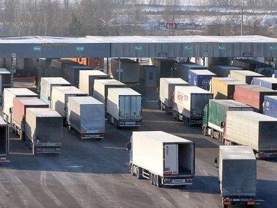 Временное ограничение движения грузовиков в Киргизии. Запреты действуют до 1 сентября