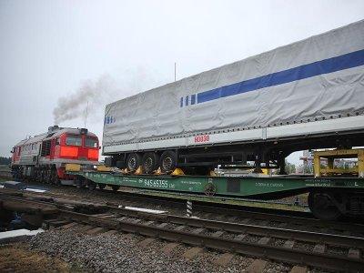 Автомобильный полуприцеп отправлен по новому маршруту из Калининграда в Санкт-Петербург