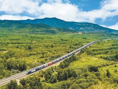 Record on the China-EU route. More than 1,000 train sets per month