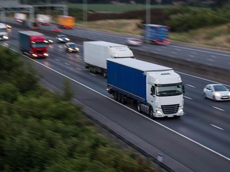 """UNTRR: """"Viitorul sectorului românesc de transport rutier este în pericol"""""""